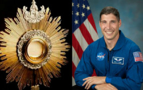 Yêu Mến Thánh Thể: Phi hành gia Tin Lành trở thành người Công Giáo mang Thánh Thế lên không gian