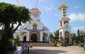 Tin ảnh:  Giáo xứ Tân Phước: Thánh lễ khai mạc ngày Chầu Thánh Thể thay giáo phận