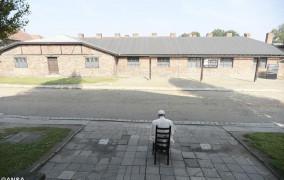 Đức Thánh Cha Phanxicô tại Auschwitz: thinh lặng và cầu nguyện