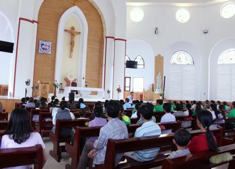 Tin ảnh: Giáo xứ Long Hương: Hội ngộ gia đình và những người nhiễm HIV/AIDS