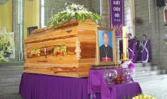 Lễ an táng Đức cha Phaolô Nguyễn Văn Hòa tại Nhà thờ Chánh Tòa Nha Trang