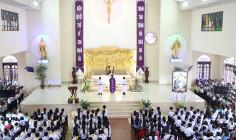 Tin ảnh: Giáo xứ Hải Lâm: Thánh lễ khai mạc ngày Chầu Thánh Thể thay Giáo phận