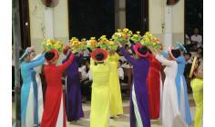 Giáo xứ Hữu Phước: Giới Hiền Mẫu dâng hoa kính Đức Mẹ