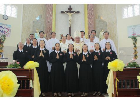 Hội dòng Mến Thánh Giá Bà Rịa: Thánh lễ tạ ơn và nghi thức tuyên khấn lần đầu