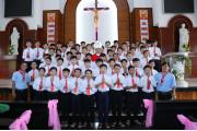 Giáo xứ Hòa Hội: Đức Cha Emmanuel ban Bí tích Thêm Sức cho 121 em thiếu nhi trong Giáo xứ