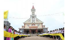 Tin ảnh: Giáo xứ Sơn Bình: Thánh lễ ban Bí tích Thêm sức cho 132 em thiếu nhi