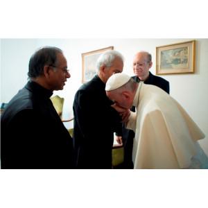 Cuộc gặp gỡ cảm động của chaThomasUzhunnalilvới Đức Thánh Cha Phanxicô