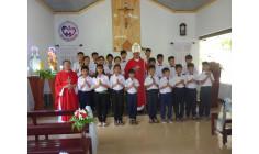 Giáo họ Côn Sơn: Đức cha Emmanuel thăm viếng mục vụ và ban Bí tích Thêm sức cho 21 thiếu nhi