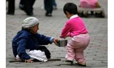 Bốn lời khuyên để nuôi dạy con có tấm lòng quảng đại và vị tha