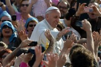 PopeFrancis-18May2013-3-2665
