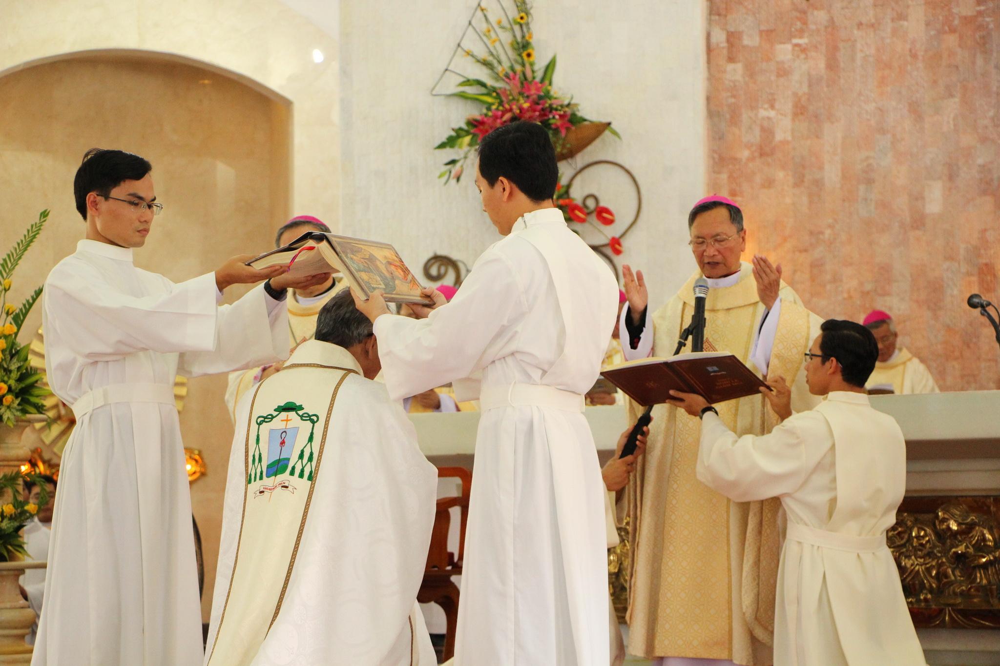 Gp. Bà Rịa: Thánh Lễ Tấn Phong Giám Mục Emmanuel Nguyễn Hồng Sơn