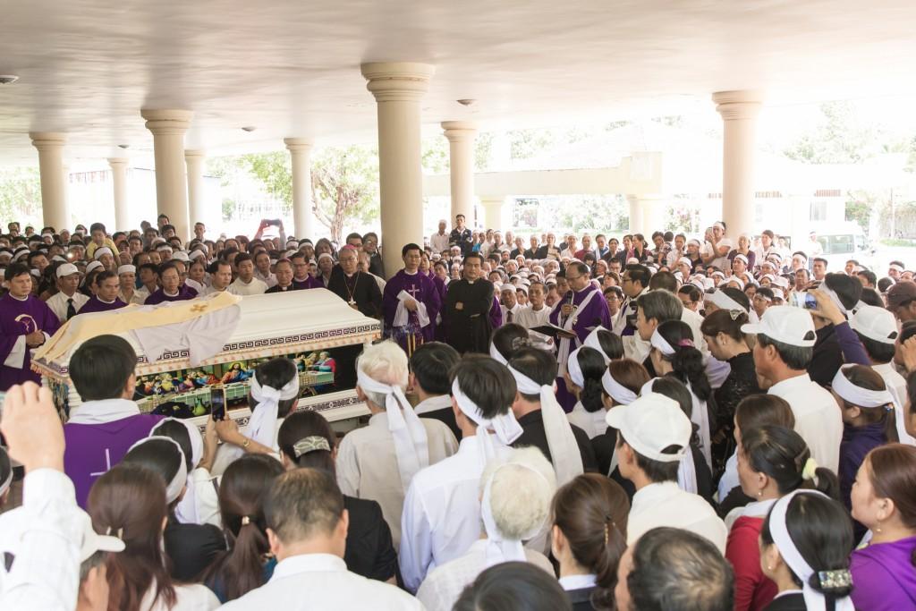 Lễ An táng Cha Vinh Sơn Nguyễn Xuân Minh