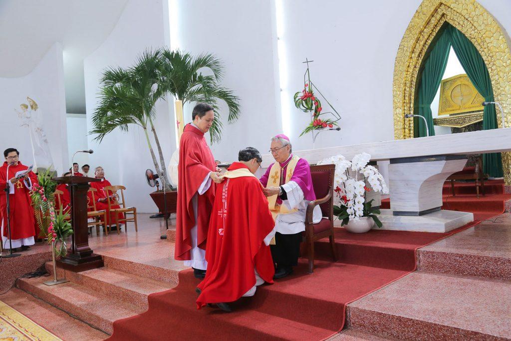 Giáo xứ Bãi Dâu: Đón chào vị chủ chăn mới Phêrô Nguyễn Thái Phúc