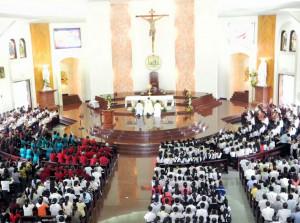 [Hình ảnh] Giáo xứ Chánh Tòa chầu Thánh Thể ngày 02/6/2013