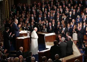 """Đức Thánh Cha Phanxicô tông du Hoa Kỳ – Viếng thăm Quốc hội Hoa Kỳ: """"Hãy làm cho những người khác những gì bạn muốn họ làm cho mình"""""""