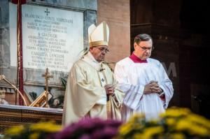 Đức Thánh Cha dâng lễ tại nghĩa trang Verano: Nên thánh là một hành trình lội ngược dòng