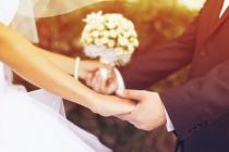 Phụng vụ: Tại sao đôi tân hôn Công giáo không được thề hứa theo cách riêng của mình?