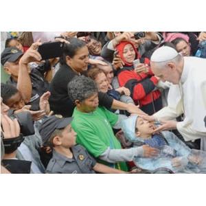 Thiên Chúa hằng thương xót những người nghèo và những người dễ bị tổn thương trong xã hội