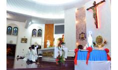 Giáo xứ Chánh Toà: Rước kiệu tôn vinh Mẹ Maria mừng kỷ niệm 100 năm Đức Mẹ hiện ra tại Fatima