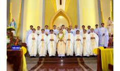 Tin ảnh: Gx. Sơn Bình: Tân Linh mục M. Phêrô-Trung Trần Hữu Khương dâng lễ tạ ơn