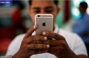 Đối diện với hiện tượng nghiện điện thoại thông minh