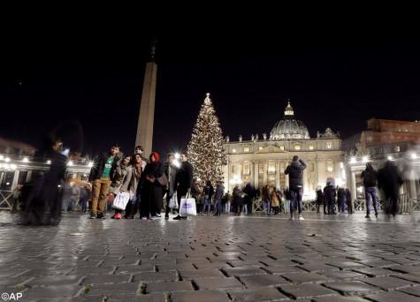 Hang Đá và Cây Thông Giáng Sinh 2017 tại Tòa Thánh Vatican