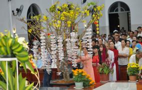 Giáo xứ Hòa Sơn: Thánh lễ cầu bình an cho Năm Mới 2018