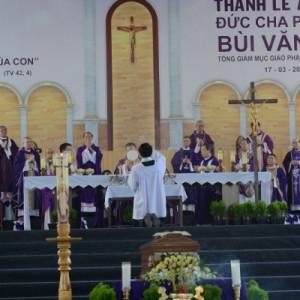 Thánh lễ an táng Đức cố TGM Phaolô Bùi Văn Đọc