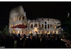 VIDEO: Đức Thánh Cha chủ sự Đàng Thánh giá tại Hý trường Colosseo