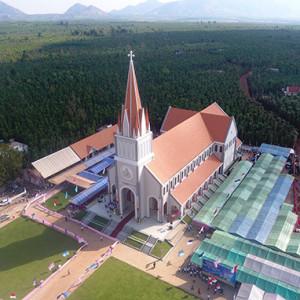 Nhà thờ Giáo họ Phú Vinh nhìn từ trời cao