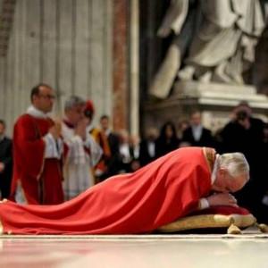 VIDEO: Đức Thánh Cha cử hành phụng vụ chiều Thứ Sáu Tuần Thánh tại Vatican 2018