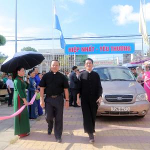 Giáo xứ Đông Xuyên: Cha Bênêđictô Ngô Minh Phước nhận nhiệm sở mới