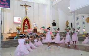 Tin ảnh: Giáo xứ Phước Tỉnh: Dâng hoa kính Đức Mẹ