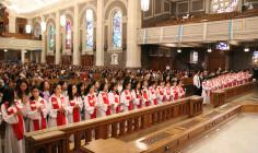 CANADA: Thánh lễ ban Bí tích Thêm sức cho 35 thiếu nhi Việt Nam