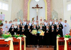 Tin ảnh: Mùa hồng ân của Hội Dòng Mến Thánh Giá Bà Rịa
