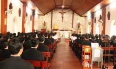 Các chủng sinh hành hương Nhà thờ Mồ Bà Rịa