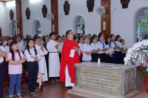 """Tin ảnh: Nhà thờ Mồ Bà Rịa:  Gx. Phước Tân hành hương Năm Thánh """"Tôn vinh các Thánh Tử Đạo Việt Nam"""""""