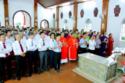 Tin ảnh:  Giáo họ Biệt lập Phước Ân và Đức Mẹ Vô Nhiễm hành hương Nhà thờ Mồ