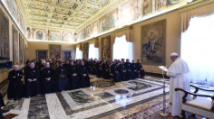 ĐTC tiếp Tổng tu nghị Dòng Thương Khó