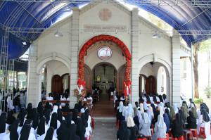 Liên tu sĩ Giáo phận hành hương Nhà thờ Mồ Bà Rịa
