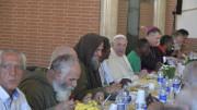 ĐTC Phanxicô ăn trưa với người nghèo