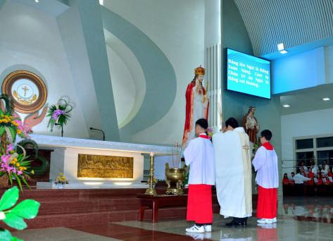 Tin ảnh: Gx. Vinh Châu: Mừng lễ Chúa Giêsu Kitô Vua Vũ Trụ - Bổn mạng Giới trẻ giáo xứ