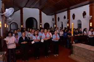 Tin Ảnh:  Giáo lý viên và Giới trẻ Gx. Chánh toà Bà Rịa hành hương Nhà thờ Mồ