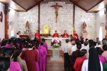Gx. Hòa Thuận và GHBL Phú Vinh: Hành Hương Nhà Thờ Mồ Bà Rịa