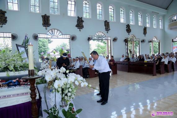 Lễ tang Cha Phêrô: Kính viếng chiều Thứ Năm ngày 01.11.2018