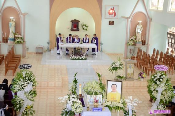 Tin ảnh: Lễ tang Cha Phêrô: Chương trình kính viếng sáng Thứ Năm, ngày 01.11. 2018