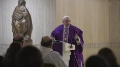 Đức Thánh Cha: Hãy tìm bình an, đừng nói hành hay làm tổn thương ai (04.12.18)