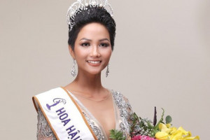 Hoa hậu Việt Nam nói về Chúa trên truyền thông