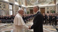 ĐTC Phanxicô gặp các nhân viên cảnh sát Italia cạnh Vatican