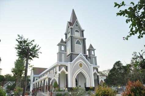 Gx. Hòa Sơn: Thánh lễ tạ ơn kỷ niệm một năm Cung hiến Thánh đường